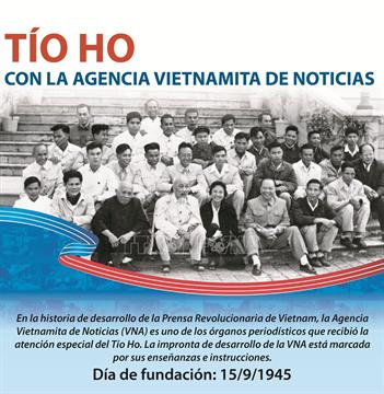 Tío Ho con la Agencia Vietnamita de Noticas